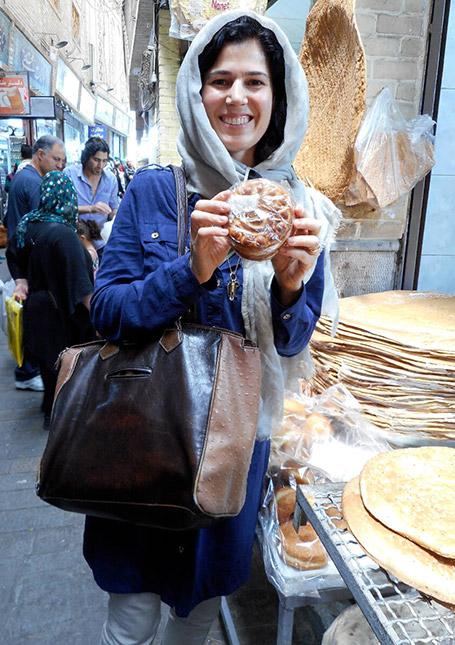 لوئیزا شافیا The New Persian Kitchen Book by Louisa Shafia