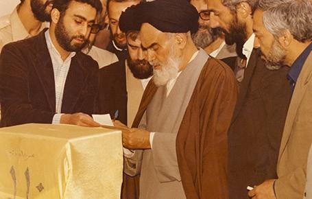 آیا-انتخابات-در-جمهوری-اسلامی-نمایشیست